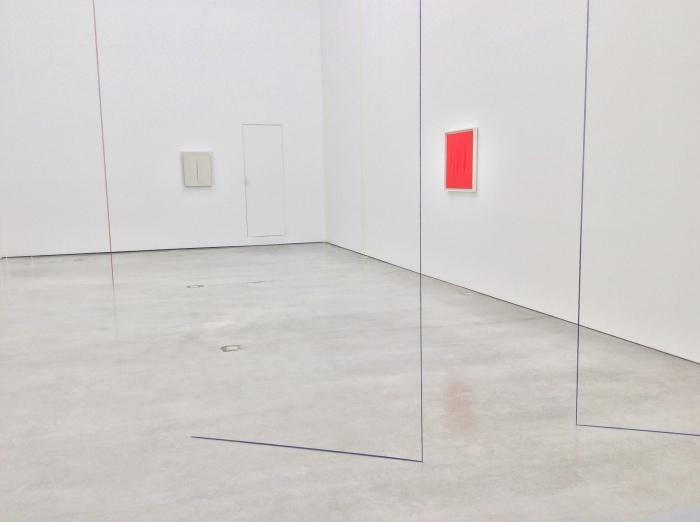 Lucio Fontana and Fred Sandback @ Galeria Cayon